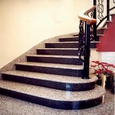 Đá Hoa Cương ốp cầu thang chân vàng cổ đen