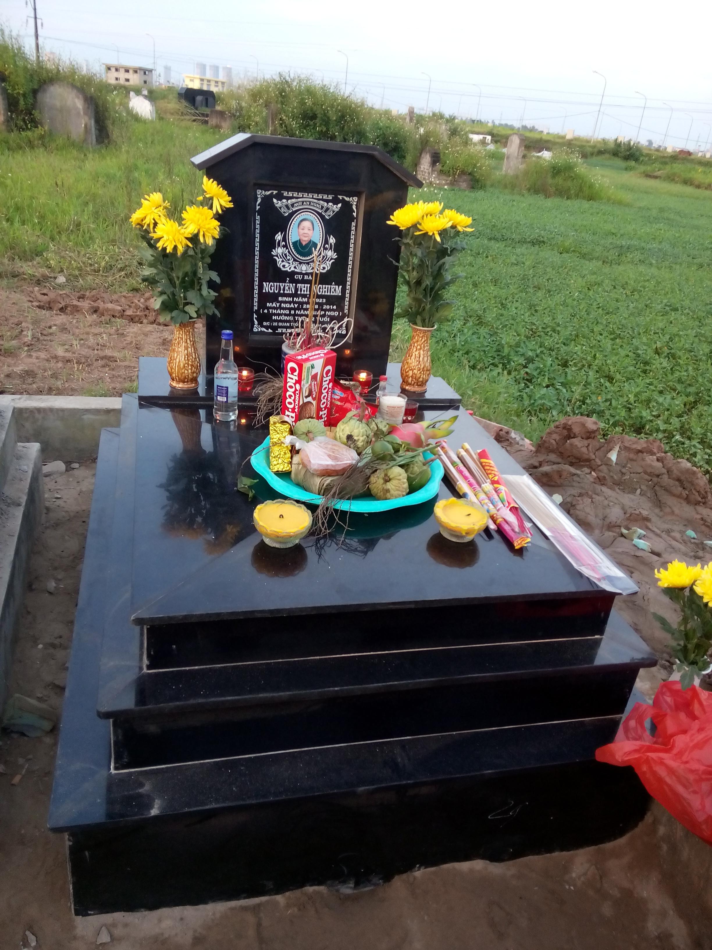 Đá Hoa Cương sử dụng làm đá ốp mộ