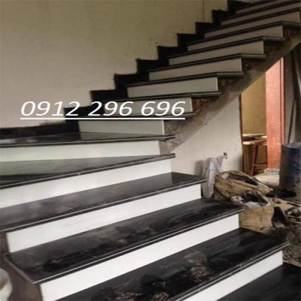 đá cầu thang granite