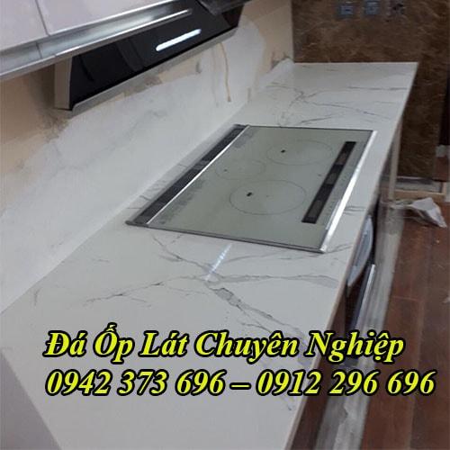 Thi Công Đá Mặt Bàn Bếp Chung Cư Uy Tín Nhất Hà Nội