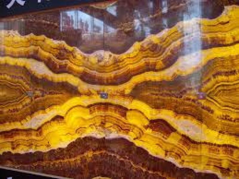 đá xuyên sáng onyx màu vàng nâu vân gỗ mẫu đá 014