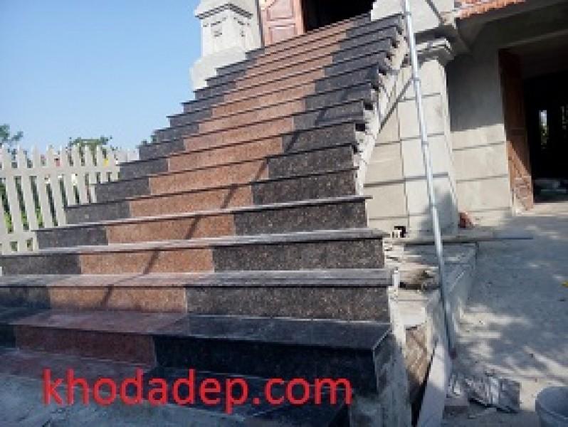 Đá hoa cương sử dụng ốp cầu thang